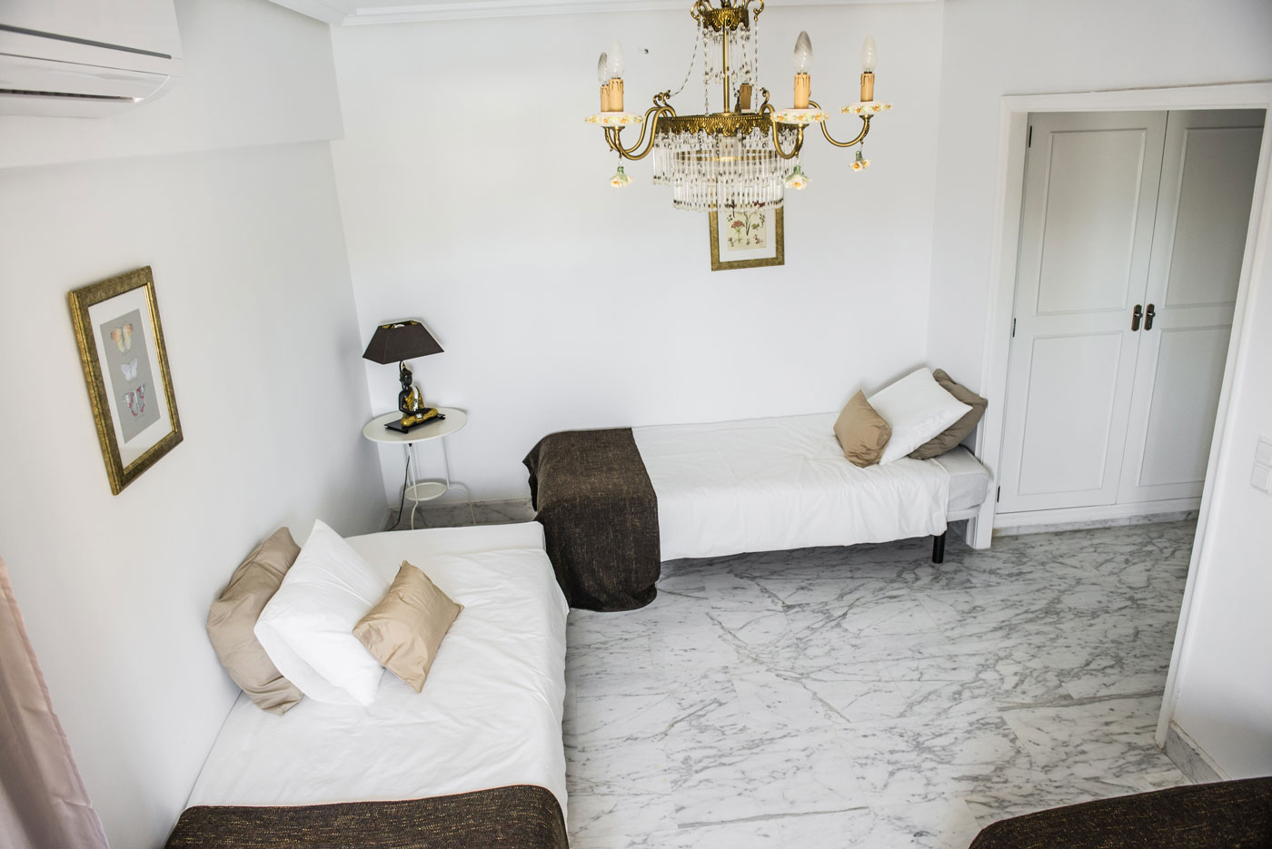 Room 1 LuxurYoga